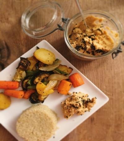 Mediterranes Ofengemüse mit Hummus Dip