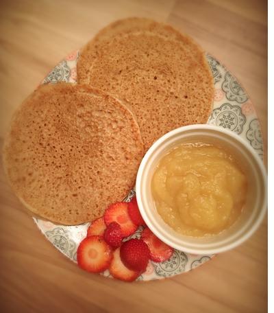 Vegane und glutenfreie Pancake oder Pfannkuchen